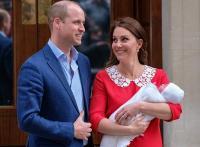 Tampannya Pangeran William Selalu Pakai Pakaian Berwarna Biru saat Anaknya Lahir