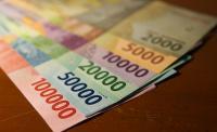 Rupiah Dibuka Nyaris Tembus Rp14.000 USD