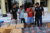 3 Warga Tewas, Polisi Gencar Operasi Miras Oplosan di Surabaya