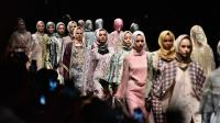 Karya Desainer Muslim Indonesia Dapat '4 Jempol' dari Presiden Jokowi