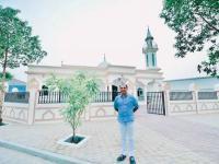 Berkah Ramadan, Pengusaha Non-Muslim Bangun Masjid Senilai Rp5 Miliar