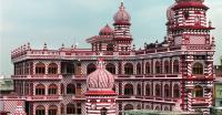 Deretan Masjid Terunik di Dunia, dari Mirip Kuil hingga Istana Kremlin
