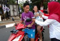 Kartini Perindo Bagikan 600 Paket Takjil di Semarang