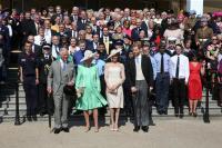 Hadir di Ulang Tahun sang Ayah, Pangeran Harry Tunjukkan Kemesraan dengan Istri dan Beri Pidato Mengharukan