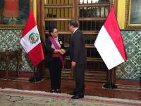 Menlu RI Menerima Penghargaan Tertinggi dari Pemerintah Peru