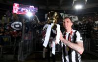 Man United Buru Mario Mandzukic dan Winger West Ham