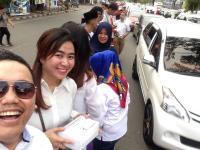 Ribuan Takjil Disebar GRIND Perindo Makassar untuk Pengguna Jalan