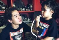 Gendong Anak Kecil, Dul Jaelani Sebut Diri sebagai Bapak Muda