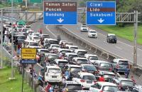 Volume Kendaraan Meningkat, Antrean di Tol Gadog Arah Puncak Capai 15 Km