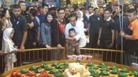 Isi Libur Lebaran, Jokowi Ajak Main Jan Ethes di Mal Bogor