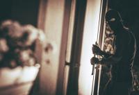 Apesnya Pencuri Ini, Niat Sembunyi Malah Terkunci di Dalam Kamar Korbannya