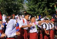 Prosesi Ki Lengser Khas Sambut Murid Baru di Tangerang dengan Kocak