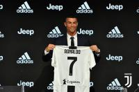 Juventus Terima Rp129,7 Miliar di Hari Pertama Jual Jersey Cristiano Ronaldo