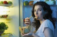 Makan Malam Sebelum Jam 9 Bisa Turunkan Risiko Kanker