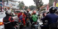 Jam Pulang Kerja, Pejaten Village Macet Parah