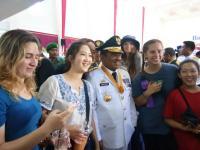 Cara Para Bule Cantik di Makassar Ikut Rayakan Kemerdekaan Indonesia