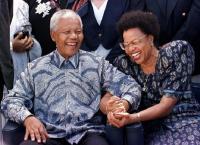 Eksistensi Batik di Mata Pemimpin Dunia, Nelson Mandela dan Putin Jatuh Cinta pada Kain Ini!