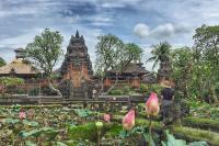 Layaknya Negara Kerajaan, Indonesia Punya Istana untuk Para Raja Loh!