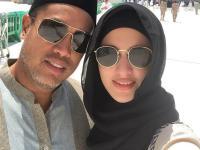 Jalani Ibadah Haji dengan Suami, Nia Ramadhani Makin Cantik Berbusana Syar'i