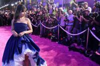 Tampil dengan Gaun Biru di VMA 2018, Camila Cabello Cantik bak Princess