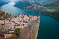 Destinasi Wisata Menakjubkan yang Harus Kamu Kunjungi saat Hidup
