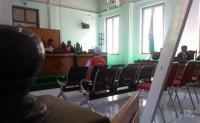 Di Ruang Sidang Jamaah Teriaki Bos Abu Tours: Penipu!