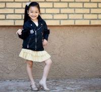 Intip 5 Gaya Menggemaskan Malea Emma Tjandrawijaja, Gadis Kecil Keturunan Indonesia yang Bernyanyi di Liga Amrik