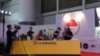 Keseruan Chef Axhiang Masak Mi Laksa Khas Bangka Belitung