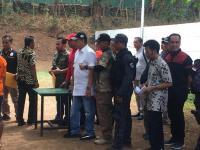 Dua Tersangka Peragakan Ulang Adegan Penembakan Gedung DPR