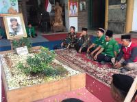 Tiba di Tegal, Tim Kirab Satu Negeri Ziarahi Makam Dalang Enthus Susmono