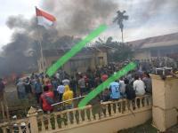 Mapolsek Bendahara Aceh Dibakar Massa