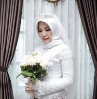 Ketika Intan Kenakan Baju Pengantin Pilihan Calon Suaminya yang Jadi Korban Lion Air