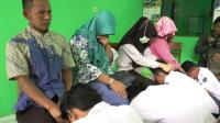 Siswa Pengeroyok Guru SMK di Kendal Sungkem Minta Maaf