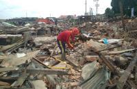 Eks Bangunan Pasar Angsoduo Jadi Lumbung Rezeki Pemulung