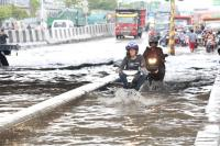 Cerita Warga Semarang yang Rumahnya Mendadak Terendam Banjir 1 Meter