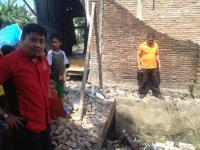 Main Bola, 2 Bocah Bersaudara Tewas Tertimbun Tembok di Makassar