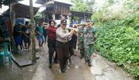 Isak Tangis Iringi Pemakaman Korban KKB Alpianus & Dino Kondo