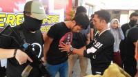 Bandar Sabu Tewas Ditembak Polisi saat Rebutan Senpi di Atas Mobil
