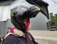 Warga Bangkok Gunakan Celana Dalam dan Bra untuk Berlindung dari Asap Beracun