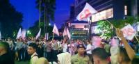 Massa Pendukung Jokowi dan Prabowo Saling Adu Mulut