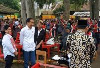 Model Rambut Sesuai Permintaan Iriana, Jokowi: Sering Disisiri ke Belakang Sulit