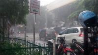 BMKG: Jakarta Diguyur Hujan Pagi hingga Siang