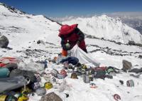 China Tutup Pos Pendakian Gunung Everest