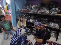 Caleg DPR RI Perindo Temui Perajin Sepatu hingga Fogging di Bogor