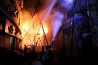 Kebakaran di Wilayah Kota Tua Dhaka Tewaskan Sedikitnya 56 Orang