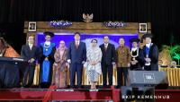 3 Menteri Kabinet Kerja Terima Penghargaan Herman Johannes Award