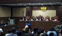 Lucas Akan Tuntut Ganti Rugi ke KPK terkait Blokir Rekening