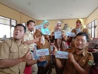 6 Guru Honorer Dipecat Gara-Gara Viral Pose Dengan Tulisan Paslon Capres