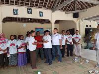Rescue Perindo Bagikan 220 Bibit Pepaya & Latih Warga Bikin Pupuk Organik