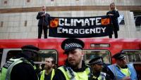 Protes Perubahan Iklim, Aktivis Nempel di Atap Kereta London